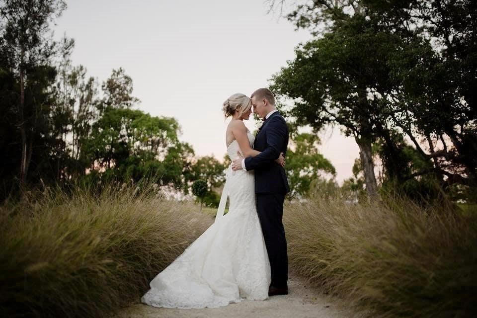 Enzoani Wedding Dress - Used