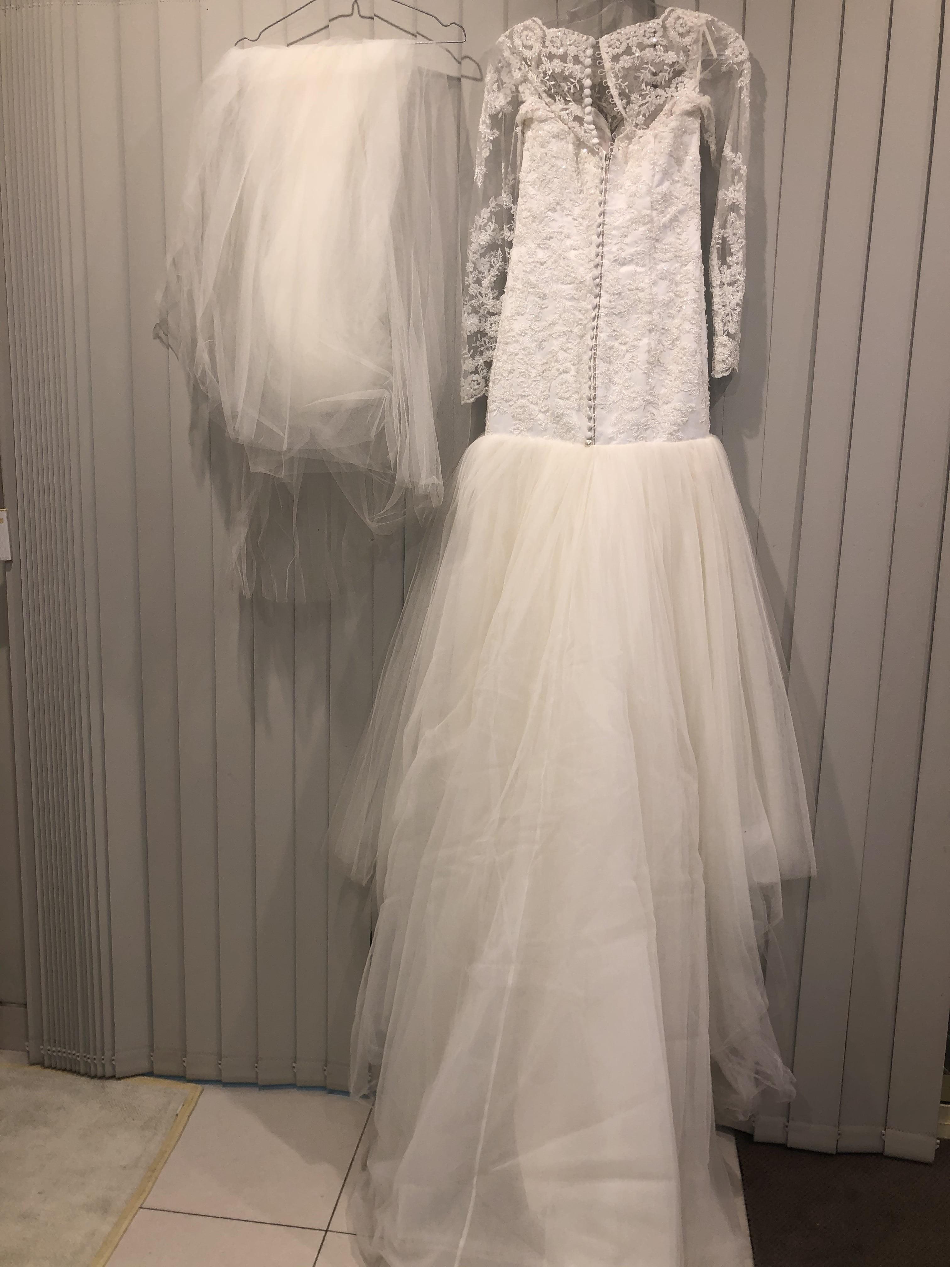 Mermaid Wedding Dress   Used