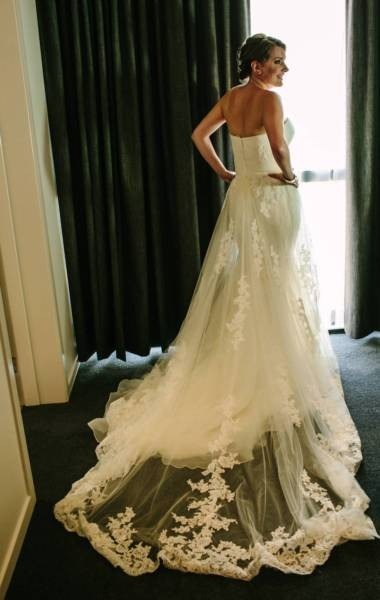 Pronovias Wedding Dress For Sale | White Gown